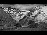 Winnats Pass after light snow by Dave HASTINGS
